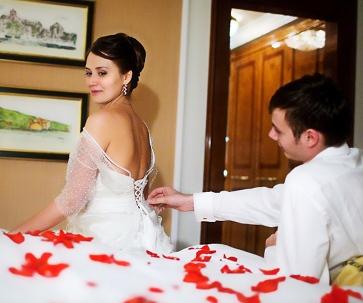 Первая брачная ночь жестко фото 499-982